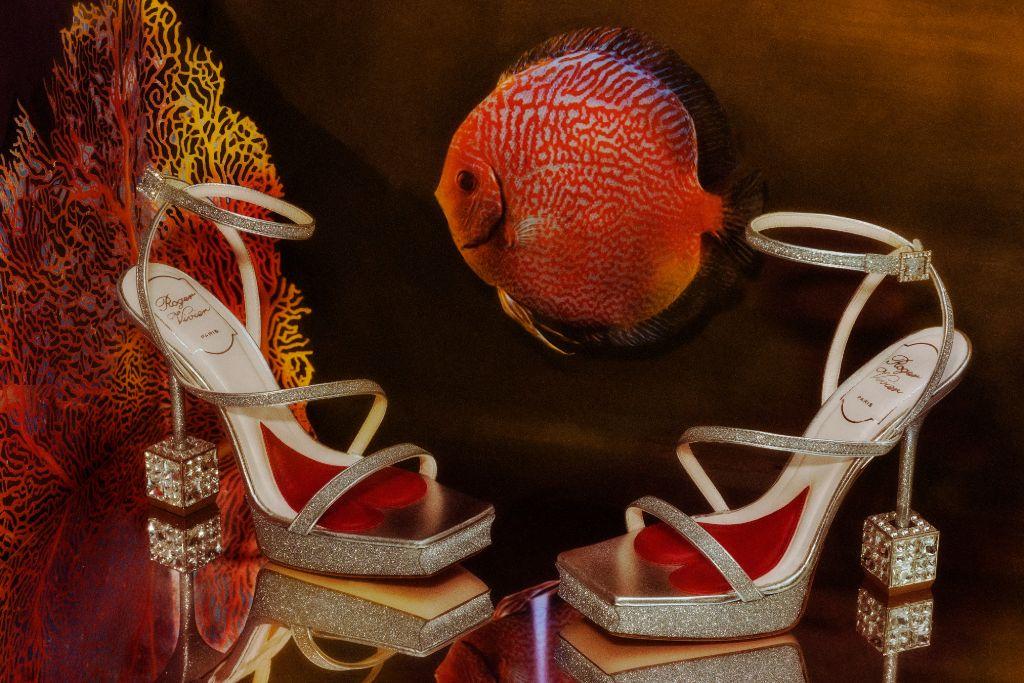 spring 2022 fashion trends, spring 2022 trends, fashion trends, paris fashion week, pfw, paris fashion week trends, pfw trends, runway, roger vivier