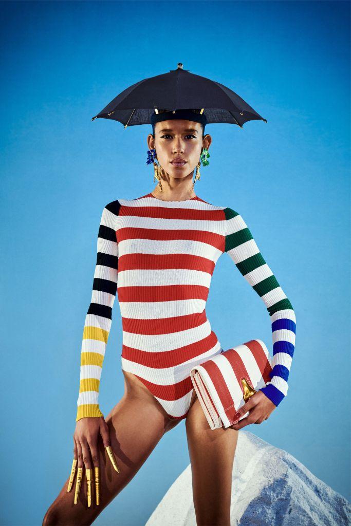 schiaparelli, schiaparelli spring 2022, spring 2022, paris fashion week, pfw, paris fashion week spring 2022, schiaparelli paris fashion week, beyonce schiaparelli, fashion, runway