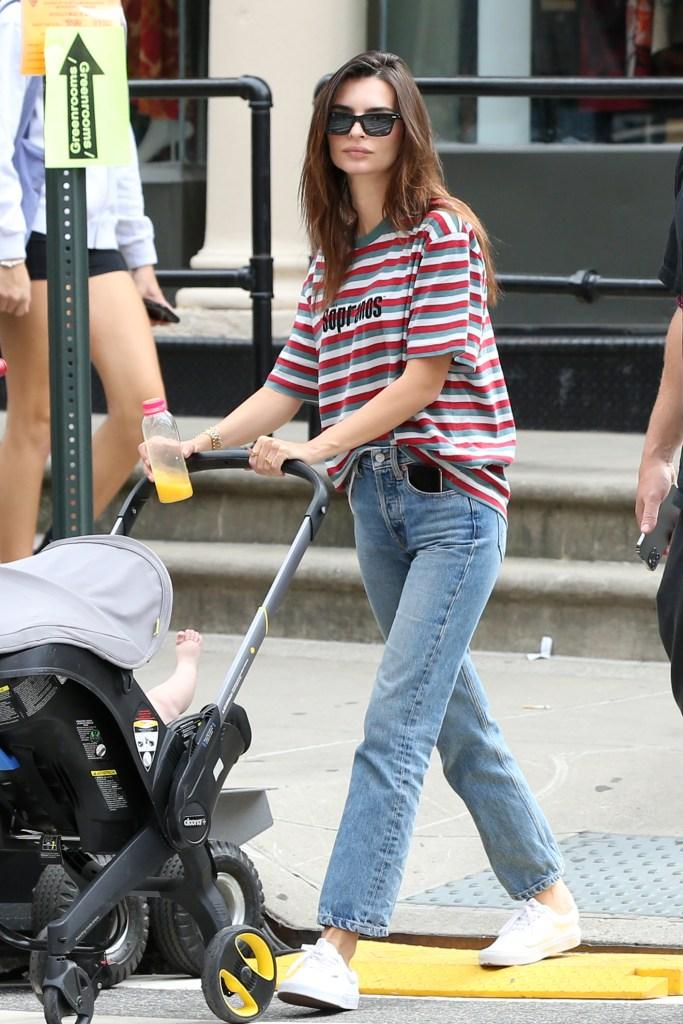 Emily Ratajkowski, Vans, white sneakers, mom jeans, blue jeans, striped T-shirt, The Sopranos, New York City