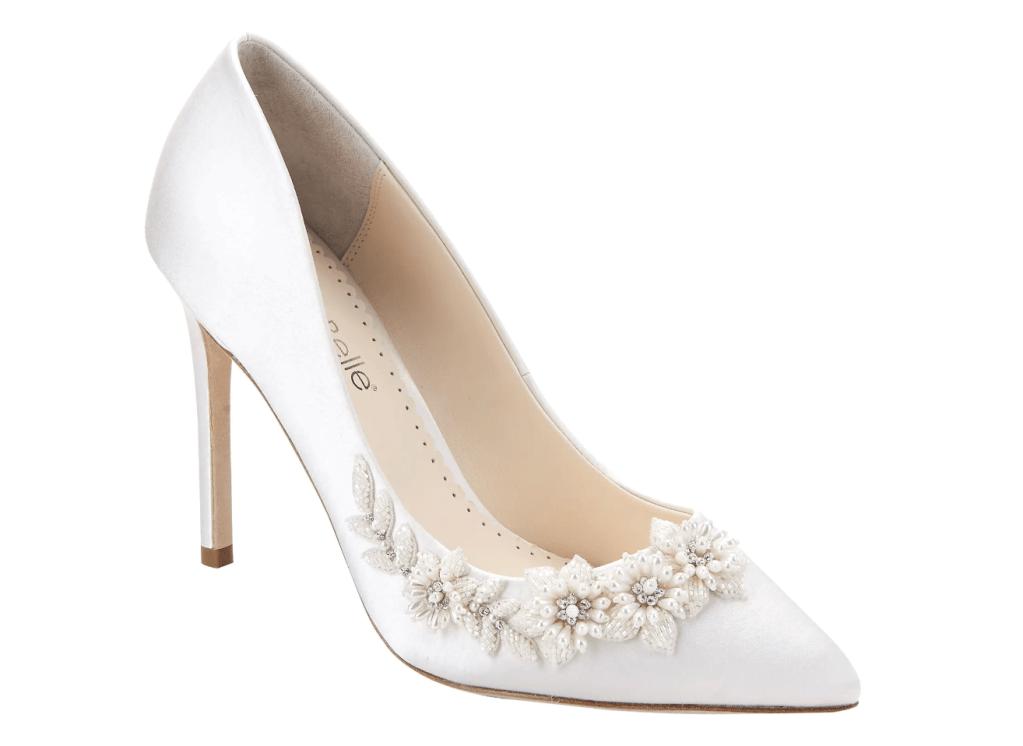 white pumps, crystal, heels, bella bellle