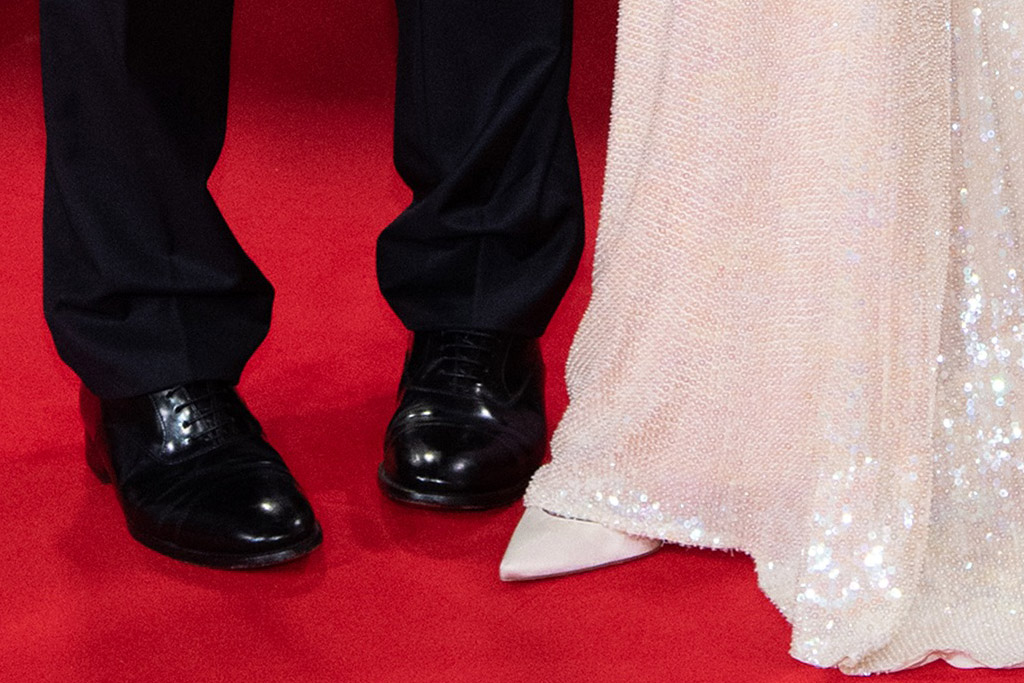 amal clooney, gown, dress, strapless dress, sequins, white heels, pumps, red carpet, tender bar, george cllooney, movieamal clooney, gown, dress, strapless dress, sequins, white heels, pumps, red carpet, tender bar, george cllooney, movie