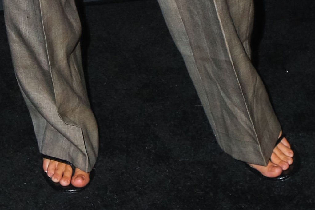 emily ratajkowski, suit, blazer, thong heels, sandals, necklace, new york, coin geek