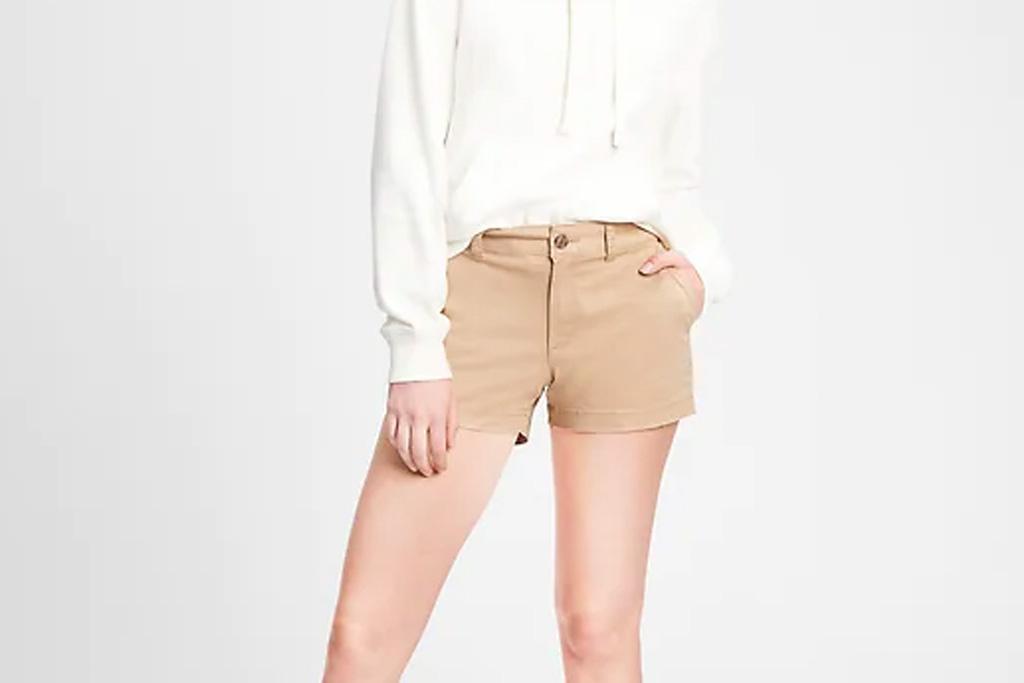 gap, khaki shorts