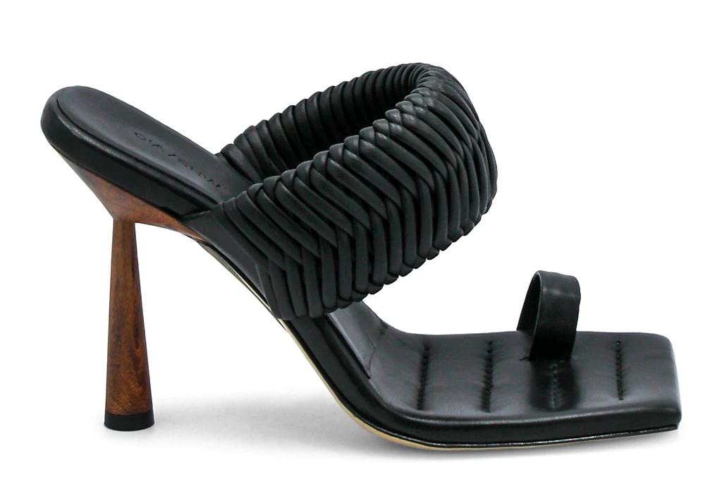 gia borghini, rosie huntington whiteley, big toe sandals