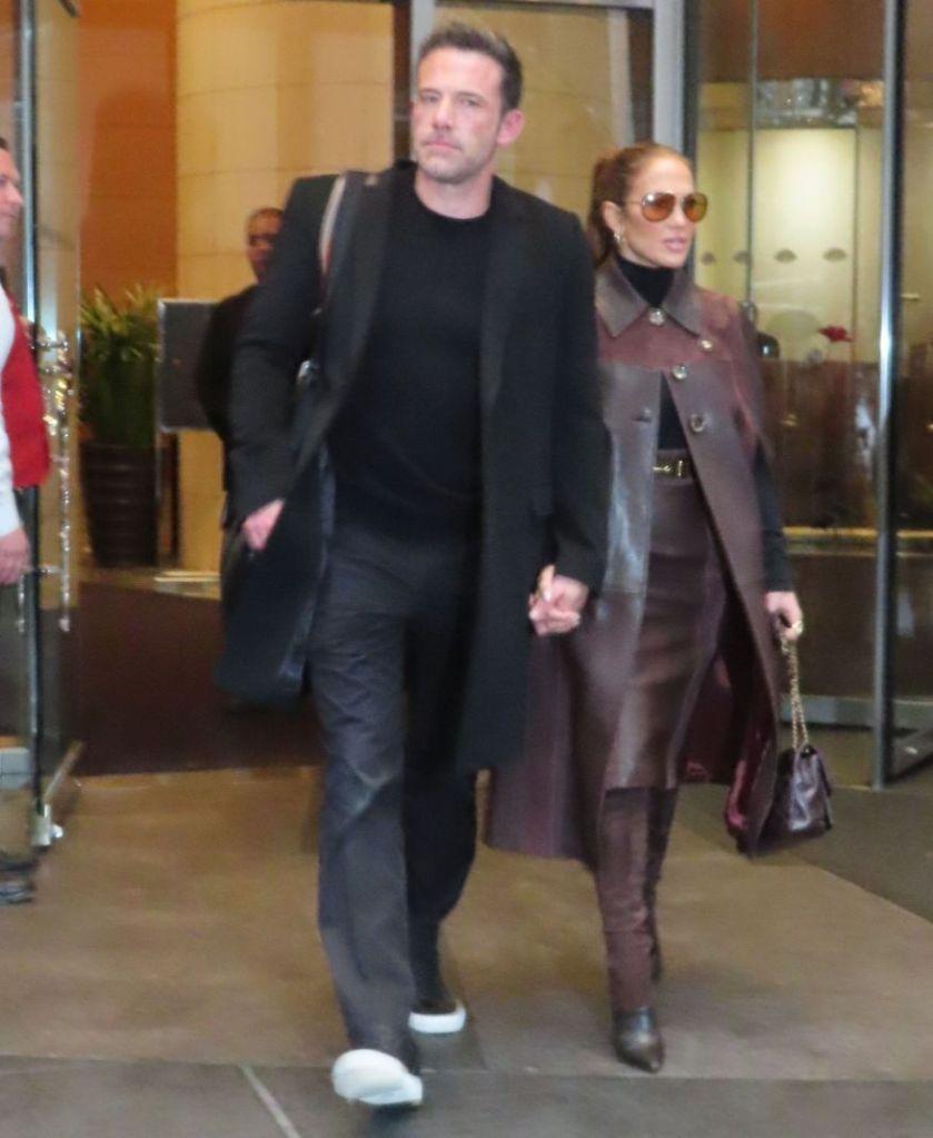 jennifer lopez, skirt, jacket, coat, boots, coach, ben affleck, new york