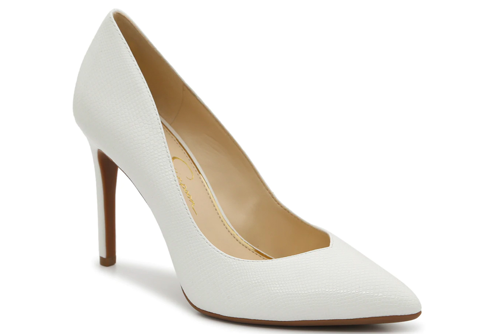 white pumps, heels, pointed toe, jessica simpson
