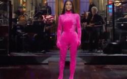 kim kardashian, pink outfit, saturday night