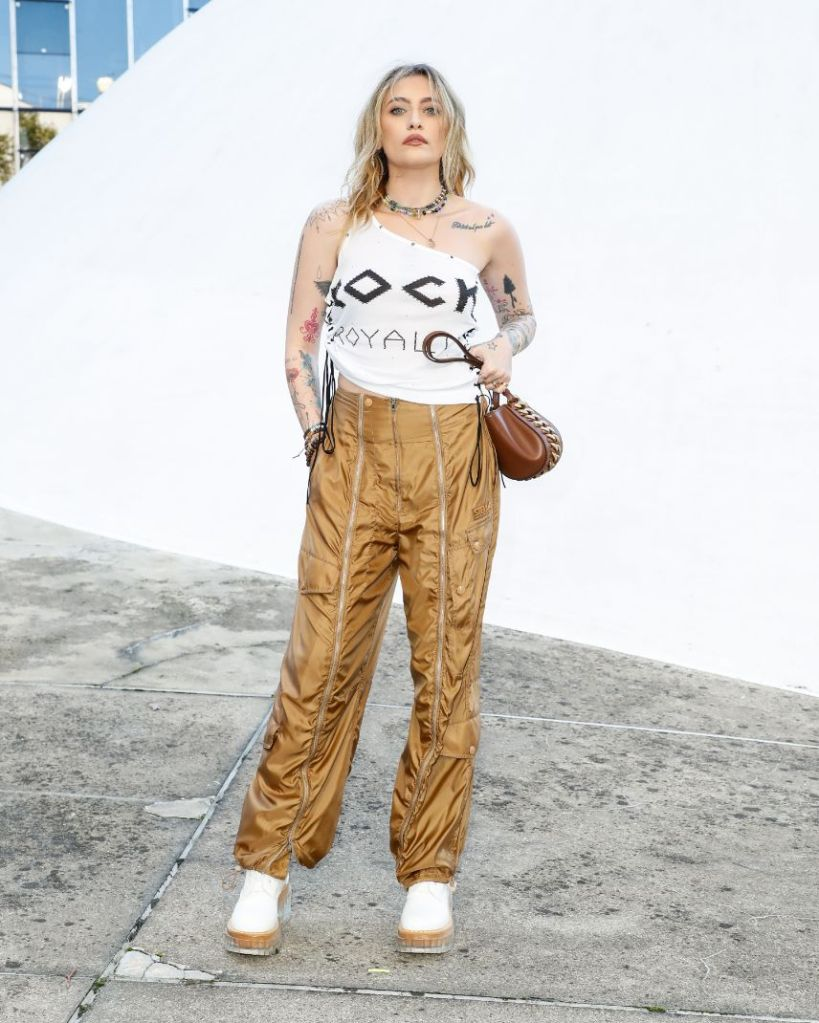 paris jackson, crop top, cargo pants, soes, heels, stella mccartney, paris, paris fashion week, spring 2022