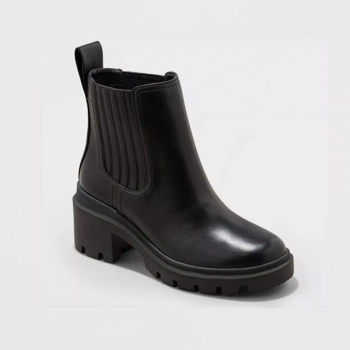 Universal Thread Naya Heeled Chelsea Boots